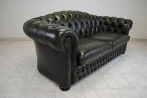 canapé chesterfield convertible d'occasion 4