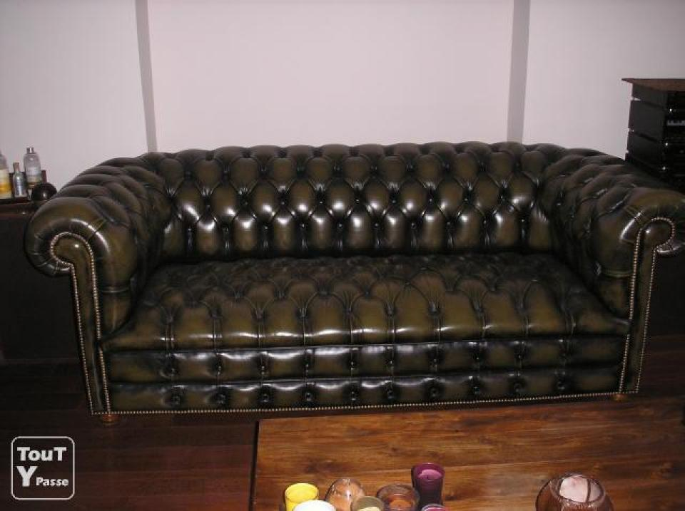 Photos canap chesterfield occasion belgique for Canape chesterfield cuir occasion