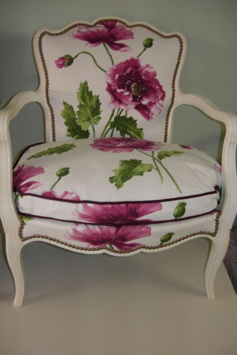Photos canap anglais tissu fleuri for Lampe de chevet style anglais
