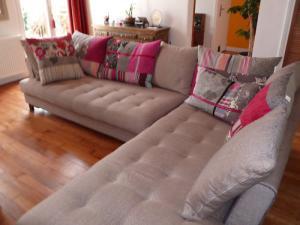 photos canap kenzo roche bobois prix. Black Bedroom Furniture Sets. Home Design Ideas