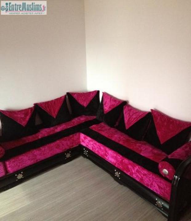 photos canap marocain rose et noir. Black Bedroom Furniture Sets. Home Design Ideas