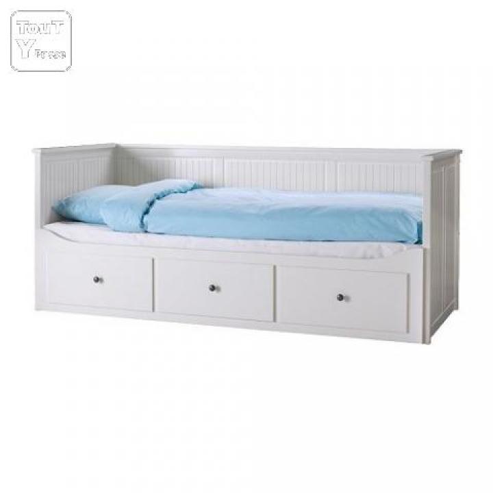 photos canap lit ikea 2 places. Black Bedroom Furniture Sets. Home Design Ideas