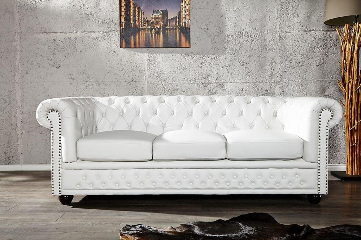 Photos canap chesterfield cuir blanc for Canape chesterfield cuir blanc