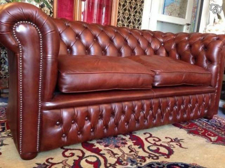 canap chesterfield occasion zakelijksportnetwerkoost. Black Bedroom Furniture Sets. Home Design Ideas