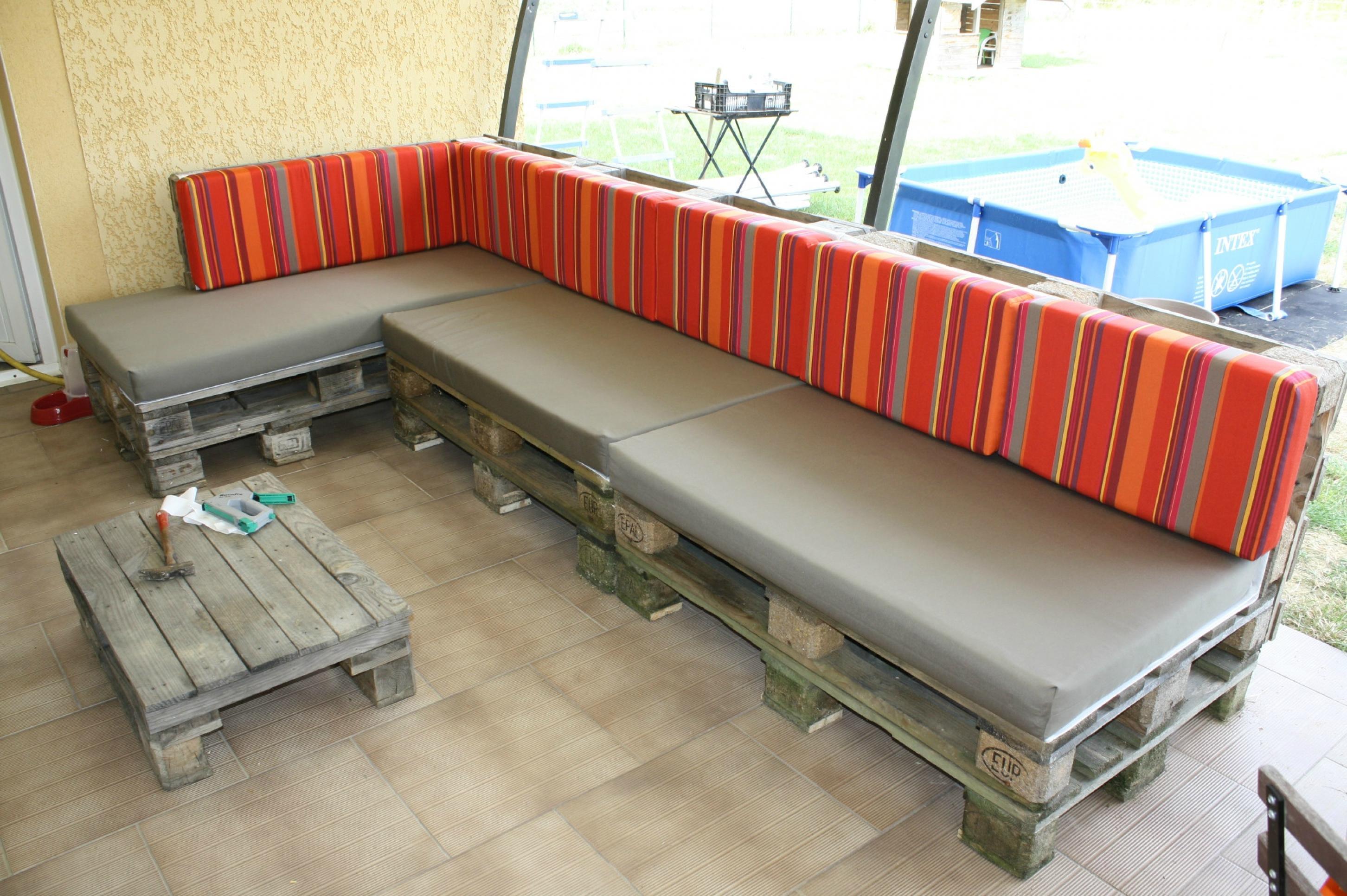 photos canap palette terrasse. Black Bedroom Furniture Sets. Home Design Ideas