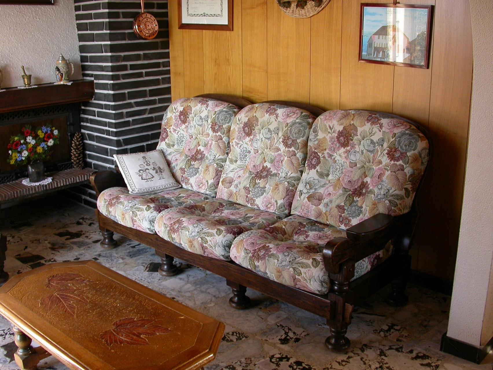photos canap bois et tissus. Black Bedroom Furniture Sets. Home Design Ideas